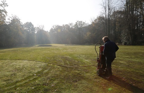 Two compressed air aeration machines were on demo at Lilleshall GC
